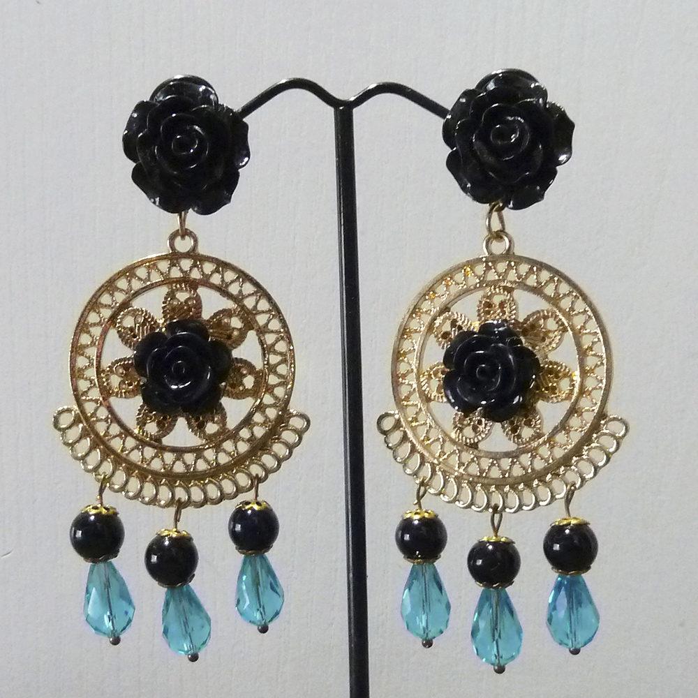 Pendiente flamenca dorado, negro y azul