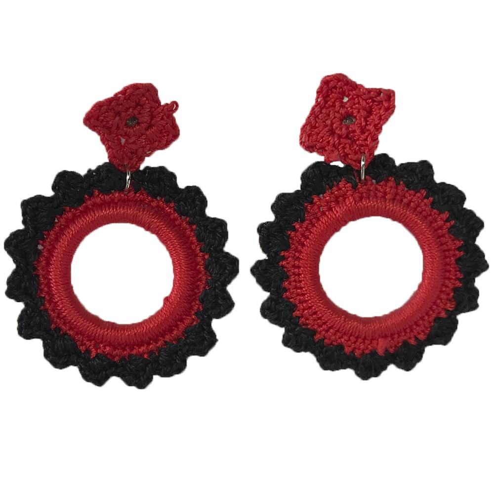 Pendiente de flamenca de crochet